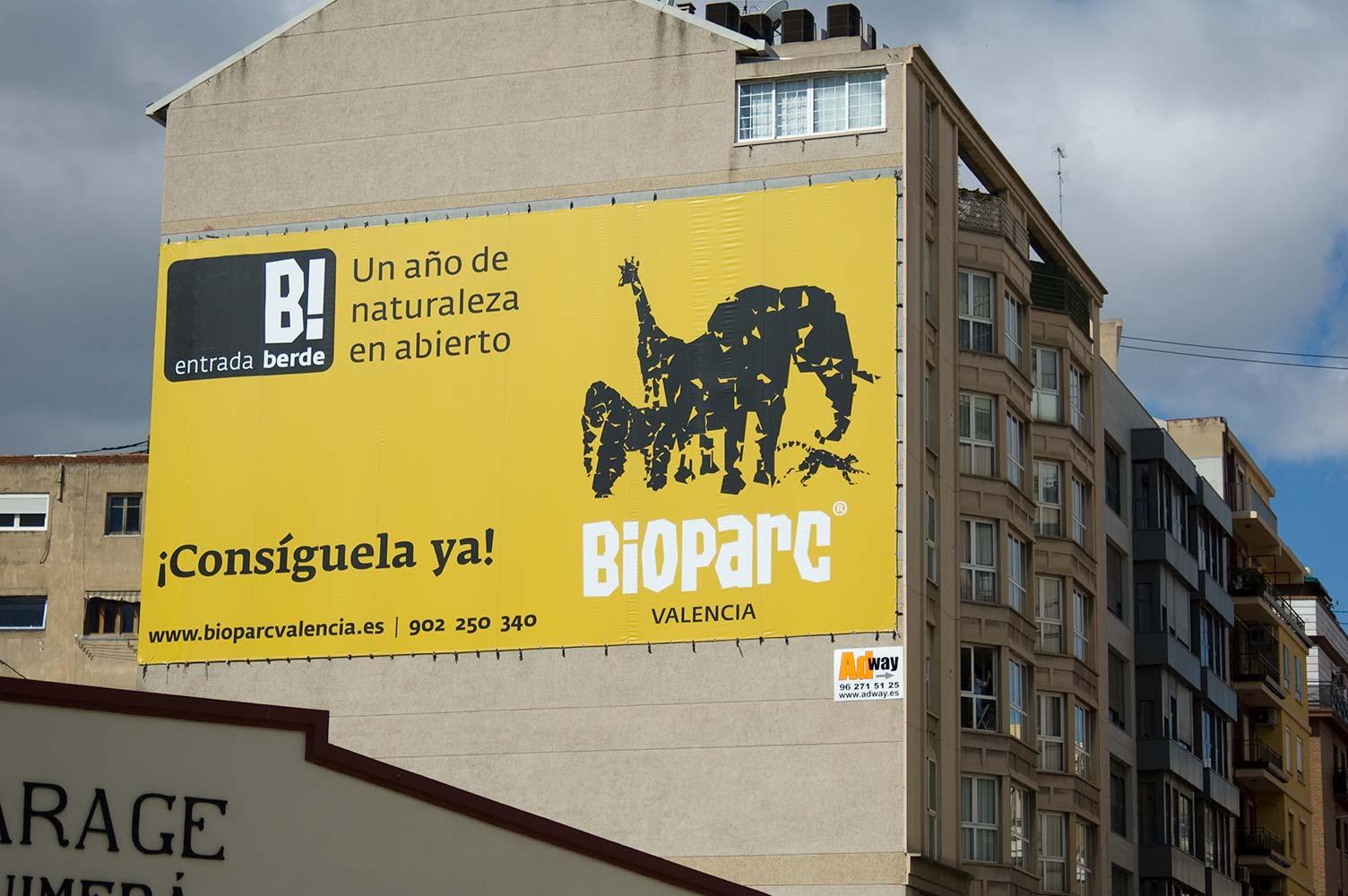 Lona gan formato publicidad exterior entrada Berde