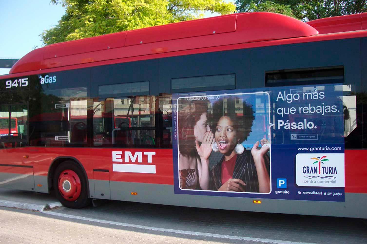 Bus publicidad para rebajas comunicación anual CC Gran Turia