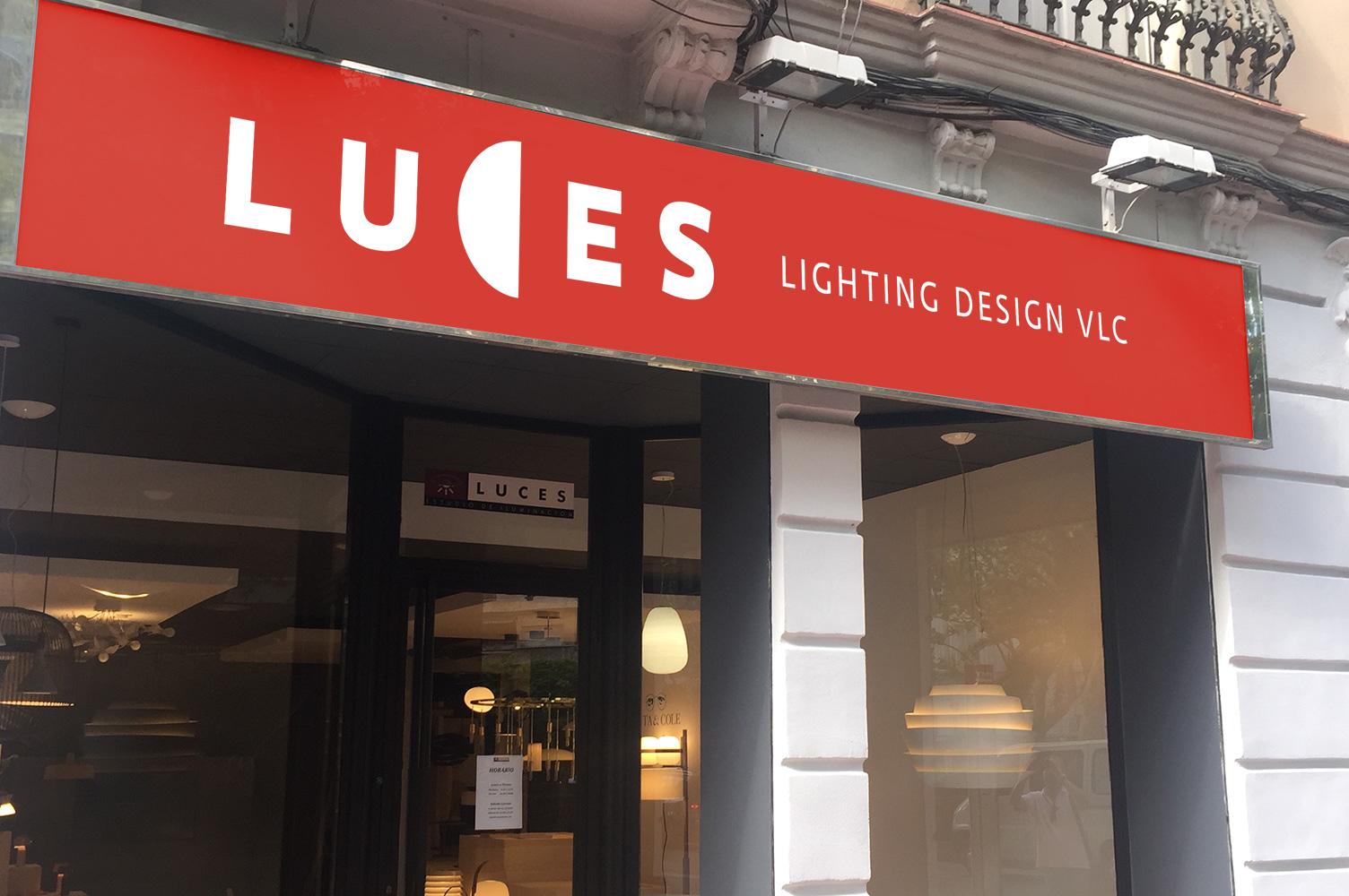 Rótulo exterior aplicación de marca Luces