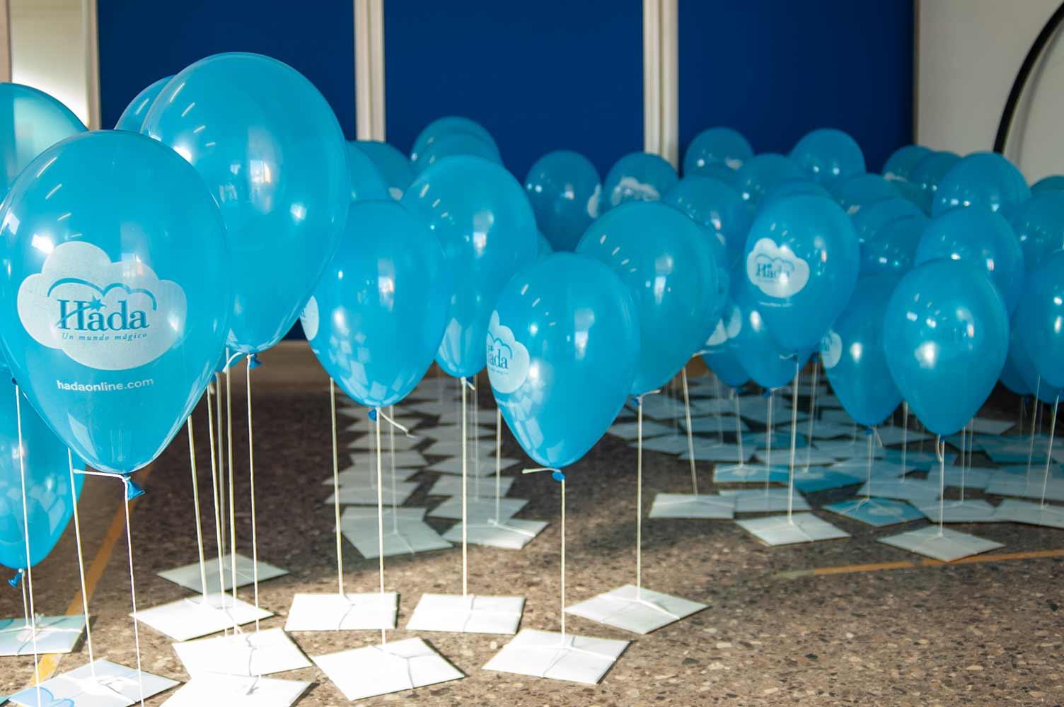 Globos de helio con mensajería especial para campaña de publicidad