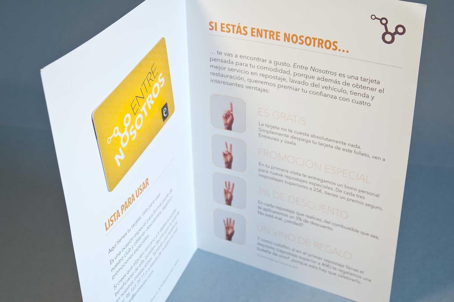 Interior folleto para campaña tarjeta de cliente EntreNosotros